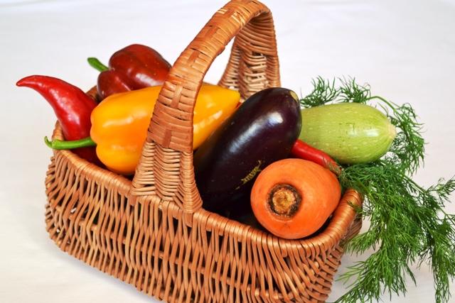 фото ингредиентов для приготовления баклажанно-кабачкового салата на зиму