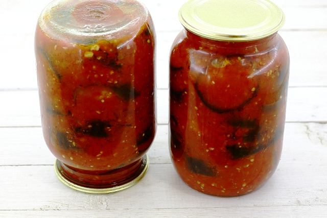 рецепт консервации салатов в томате