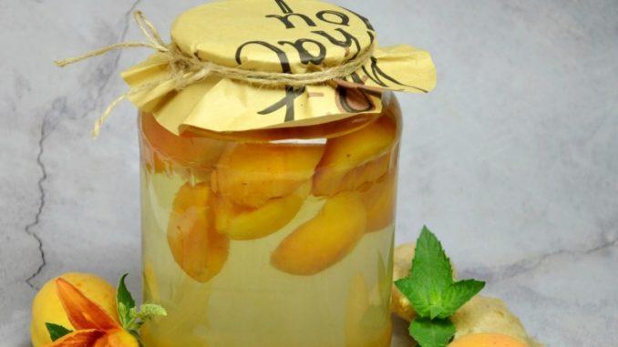 фото к рецепту абрикосового компота с имбирем и мятой на зиму