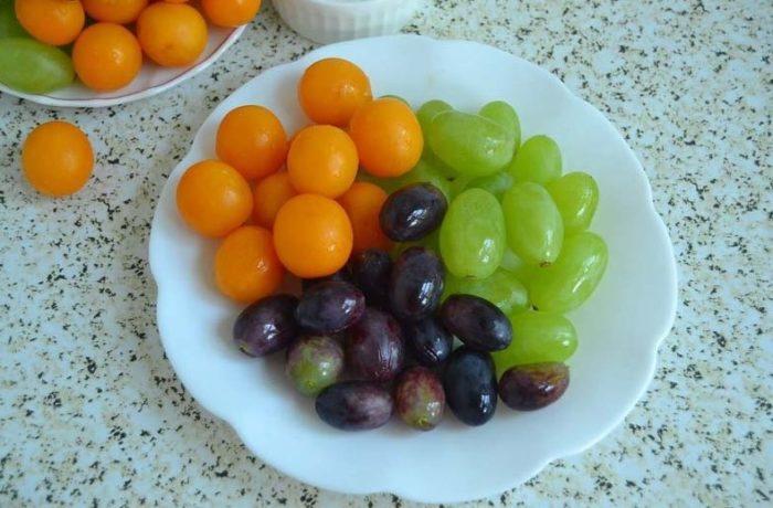 фото ягод для приготовления виноградного компота с алычой на зиму