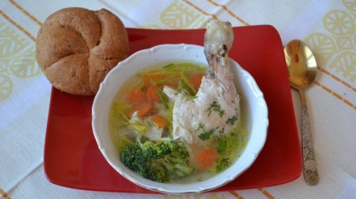 Куриный суп с брокколи фото