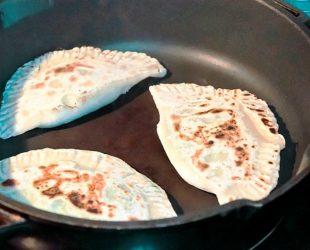 Кутабы с сыром и зеленью: простой рецепт с фото