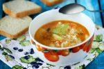 Суп с говядиной и рисом в мультиварке фото