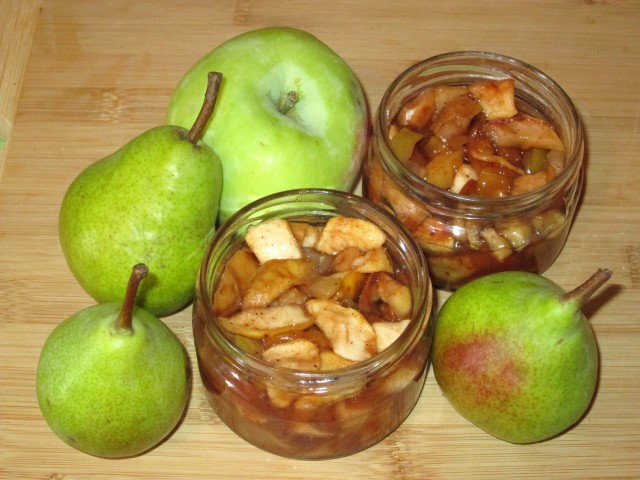 Варенье из яблок и груш с корицей