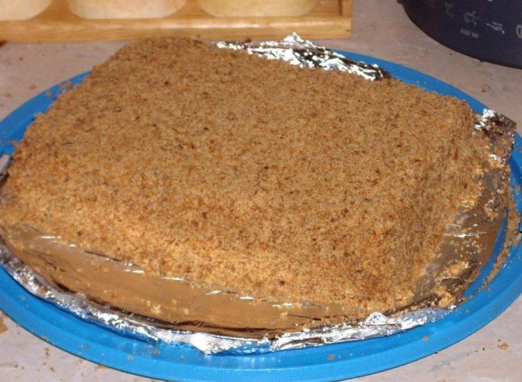 фото к рецепту торта из фиников со сгущенкой