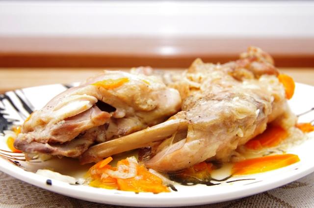Гуляш из свинины и грибами с подливкой рецепт с фото пошагово
