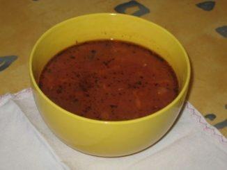 суп с килькой в тарелке фото