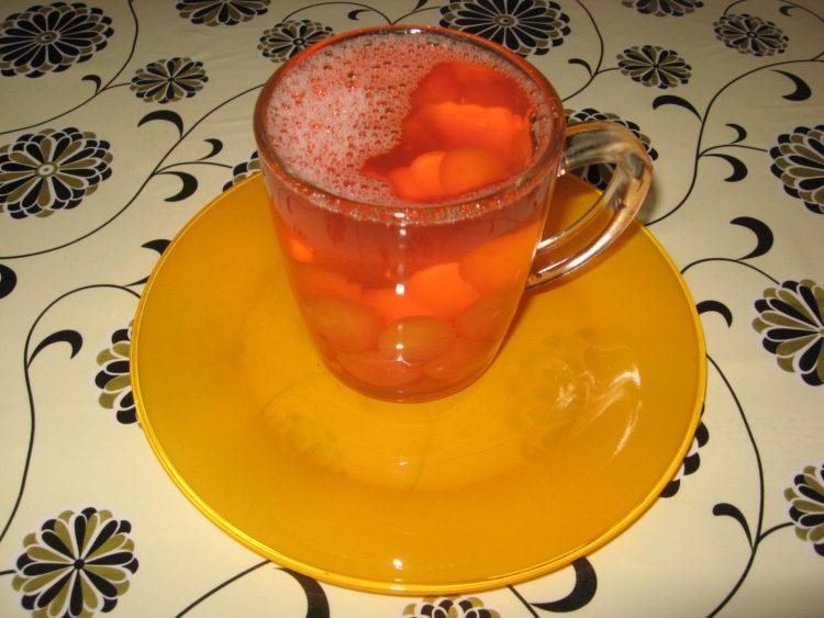 компот из розовой черешни фото напитка
