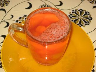 фото к рецепту черешневого компота с лимоном