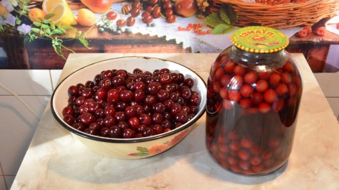 фото к рецепту вишневого компота на зиму