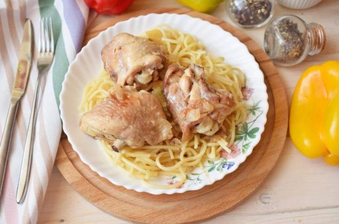 куриные бедрышки с луком фото готового блюда
