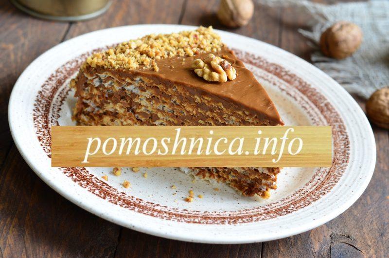 кусочек вафельного торта с вареной сгущенкой фото