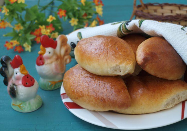 Пирожки с квашеной капустой в духовке фото