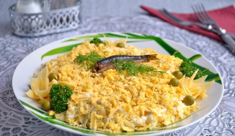 рецепты салатов со шпротами фото