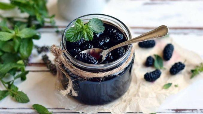 фото к рецепту шелковиці в сиропе на зиму