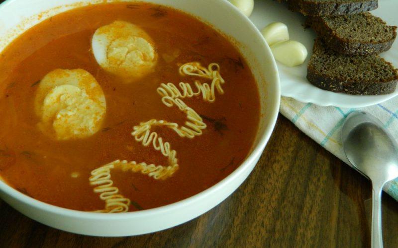 итальянский суп с сосисками и томатом фото