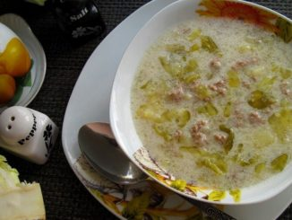суп из ранней капусты со сметаной и фаршем фото