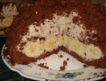 Шоколадный торт с творожным кремом и бананами: рецепт с фото