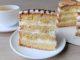 фото к рецепту бананового торта с кремом из сметаны