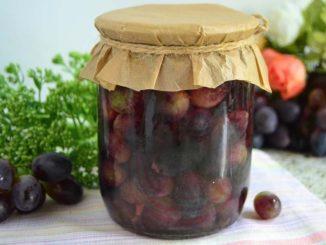 фото к рецепту винограда в ванильном сиропе