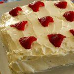Клубничный торт с зефирным кремом